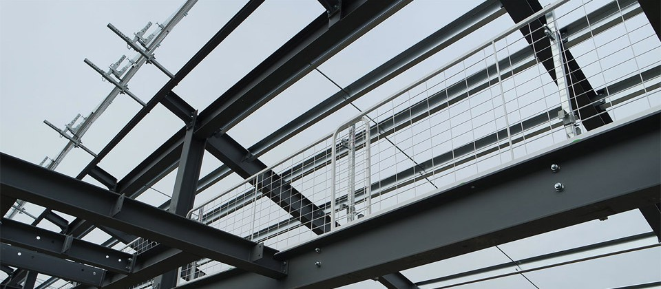 TEMPORARY EDGE PROTECTION SYSTEMS FOR WORKING AT HEIGHT
